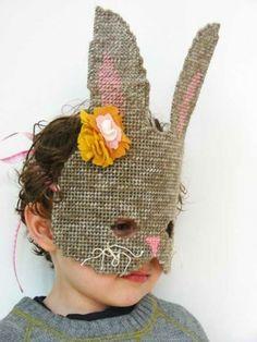 Maschera da coniglio all'uncinetto