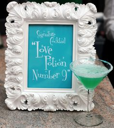 Turquoise and Green Signature Cocktail | ERIN HESSION PHOTOGRAPHY | A TOUCH OF ELEGANCE, LLC | http://knot.ly/6493BIYMx