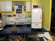 Dollhouse Miniature Furniture - Tutorials | 1 inch minis: how to make a miniature refrigerator