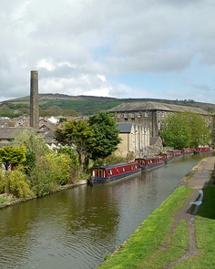 Leeds and Liverpool Canal at Silsden