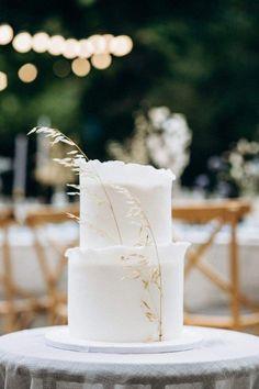 Wedding Desserts, Wedding Cakes, Wedding Cake Two Tier, White Fondant Cake, Cake Original, Striped Cake, Gold Cake Topper, Cake Toppers, Two Tier Cake