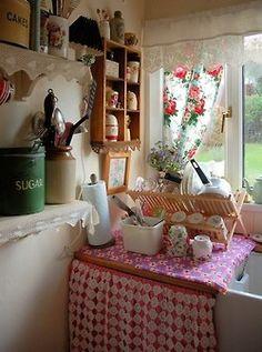 vintagehome:    (via Cottages & Homes / .)            sweet
