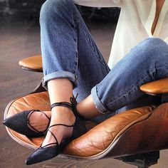 Fashion Newest Black White Leather Metal Heels Lace Up Women Flats Pointed Toe Shoes Woman Casua; Look Fashion, Fashion Shoes, Womens Fashion, Crazy Shoes, Me Too Shoes, Pumps, Heels, Cooler Style, Jeans Denim