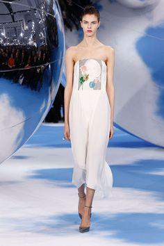 Fashion Tape, Runway Fashion, Woman Fashion, Christian Dior 2014, Style Scrapbook, Strapless Dress Formal, Formal Dresses, Bustier Dress, Glamour