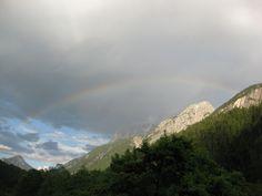 Regenbogen in den Alpen