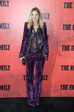 Michelle+Pfeiffer+Family+Premieres+NYC+Part+YQryfnfI-CGl.jpg 392×594 pixels