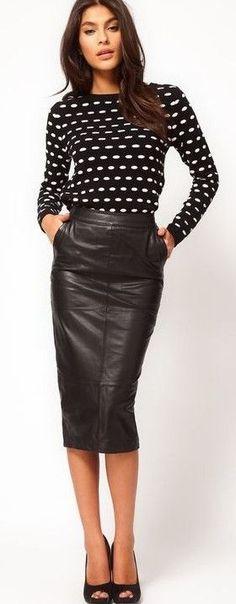 high waisted pencil skirt tucked 3