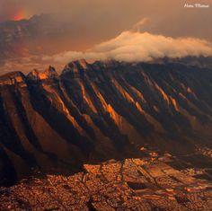El cerro de las Mitras al poniente de Monterrey