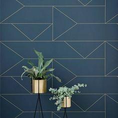 STYLING | Toe aan een nieuwe kleur op je muur? Ga dan voor donkerblauw. Laat je inspireren door deze prachtige interieurs met donkerblauw in de hoofdrol