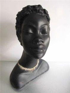 Annons på Tradera: Stor fin byst Afrokvinna av GINO MANCA 50-talet