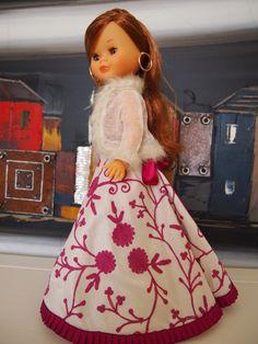 Nancy de Famosa, Fiesta en rosa Nancy Doll, Barbie, Fashion Dolls, American Girl, Doll Clothes, Nice Picture, Collection, Dolls, Pink