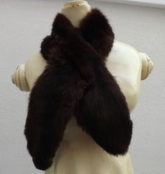 Beautiful Vintage 30's /40's Soft Sumptuous Mink Fur Scarf / neck Warmer, Lined