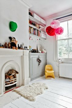 Stuffed animals in the fireplace via okissia
