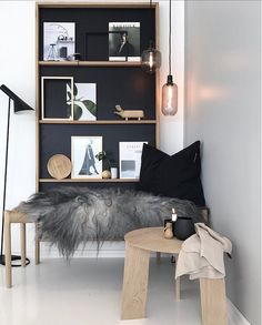 Small sections of wall colour. Gray Interior, Interior Exterior, Interior Styling, Interior Decorating, Home Living Room, Living Spaces, Bedroom Color Schemes, Decoration Design, Contemporary Interior Design