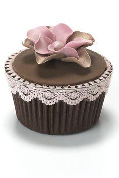Rachelles Beautiful Bespoke Cakes - Yep . . . love this pink and brown beauty!
