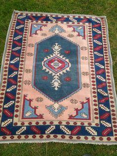 Vintage Turkish Rug Oushak Rug Oriental Hand Knotted Rug   Etsy Wool Area Rugs, Wool Rug, Small Mats, Hand Knotted Rugs, Kilim Rugs, Rugs On Carpet, Lana, Vintage Rugs, Bohemian Rug