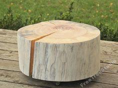 pieniek - stolik boczny drewniany , pień z drewna