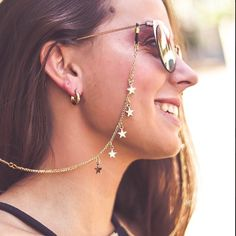 Sunglasses trends for 2019 – Just Trendy Girls: Trendy Accessories, Sunglasses Accessories, Handmade Wire Jewelry, Resin Jewelry, Diy Glasses, Fashion Eye Glasses, Trending Sunglasses, Accesorios Casual, Cute Jewelry