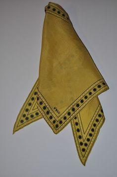 Vintage 50s 60s Vera 16 Gold Split Collar Wing Tip Scarf
