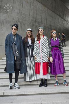 Seoul Fashion Week 2015 S/S Street style!!! #model #offdut 안승준 박혜진 조은진 김연준  | @printedlove