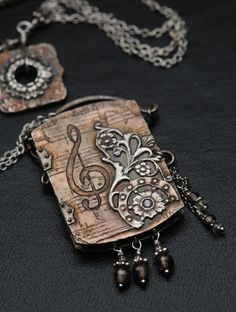 booklet necklace