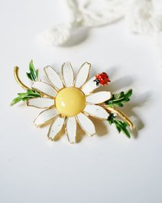 Vintage Weiss Signed Red Ladybug on White Daisy Brooch Pin with Yellow Center and Green Enamel Leaves, Gold Tone Stem, Gift for Her, by PuddinRidgeCreations on Etsy
