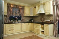 Угловые кухни в стиле классика - идеи и фото гарнитуров