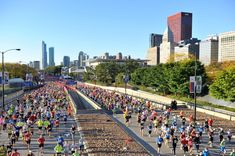 Bank of America Chicago Marathon 9 October 2016 Chicago Marathon, Mud Run, Tough Mudder, Marathon Runners, Bank Of America, Spartan Race, Golden Child, Running Workouts, Marathon Training