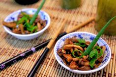 Shimeji é um tipo de cogumelo muito saboroso originado de países orientais, e hoje conhecido em todo o mundo. Essa receita geralmente é servida em restaurantes japoneses, mas você também pode preparar no aconchego da sua casa com todo amor e sabor do mundo. Leia mais...