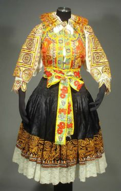 The blouse is made of fine cotton and has embroidery on the cuffs and neck ties. The skirt has a panel of white linen on the front, which should be visible on the sides, even when the apron is worn. Costume Shop, Folk Costume, Folk Fashion, Ethnic Fashion, European Costumes, Bluse Outfit, Costumes Around The World, Folk Clothing, Embroidered Clothes