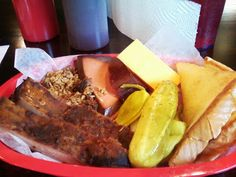 For my meats I chose ribs, chopped brisket, and bologna. For my side I chose a block of cheddar cheese. Blu's offers most of the typical sides or you could get mac and cheese for an additional charge. It's rare to see cheese as a side in Oklahoma. Most of the places I've been in Central Texas offer it but I don't know I've seen it anywhere in Oklahoma.