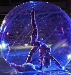Our stunning Bubble Spheres allow you to present your entertainment in a magical way, creating a huge talking point at your event. Available to perform on land or water, our enchanting contortion acts, dancers, acro acts, contact jugglers and hula performers appear to float around, creating mesmerising ambient and main choreographed entertainment. We have different sized spheres to suit the event and entertainment required. The bubble spheres can also be branded with your company logo.