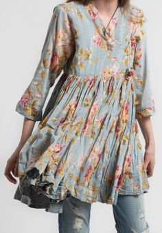 Péro Cotton V-Neck Floral Peasant Dress in Blue Stylish Dresses For Girls, Wedding Dresses For Girls, Dry Goods Clothing, Kurta Patterns, Pakistani Bridal Dresses, Layering Outfits, Casual Tops For Women, Mode Outfits, Comfortable Fashion
