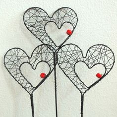 Get crafty with wire Wire Crafts, Metal Crafts, Diy And Crafts, Arts And Crafts, Wire Wrapped Jewelry, Wire Jewelry, Copper Wire Art, Wire Art Sculpture, Wire Ornaments