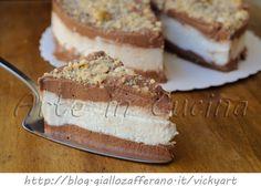 Torta cremino fredda ricetta dolce facile, dolce freddo al cioccolato e gianduia, cioccolato bianco e mousse cremosa, ricetta torta gelato, senza forno, meringa