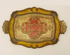 Authentic Florentine tray resin gold red and yellow old #florentinetray #servingtray #gilt #antiwuetray #giftideas #etsygifts #homedecor