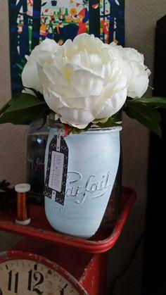 Retrouvez cet article dans ma boutique Etsy https://www.etsy.com/fr/listing/286608533/vase-bocal-le-parfait-bleu-made-with