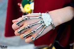 Sketelon Hand Accessory
