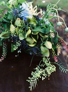 elegant-blue-wedding-centerpieces