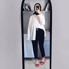 Hijab Style, Casual Hijab Outfit, Hijab Chic, Casual Outfits, Fashion Outfits, Ootd Hijab, Classy Outfits, Women's Fashion, Fashion Trends