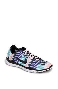 Nike Hyperdunk 2015 Basketball Shoe (Women)