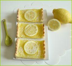 Encore une recette vitaminée pour faire (re)venir le beau temps! Avec toutes ces douceurs on devrait bien y arriver..!! Cette fois-ci j'ai voulu faire plaisir à mon chéri et à ma maman qui sont de grands fans de la saveur acidulée du citron, et comme...