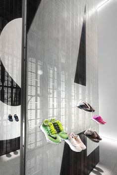 The Nike Studio Design by Coordination Asia Gym Interior, Retail Interior, Asian Interior, Interior Design, Nike Retail, Pop Display, Retail Store Design, Environmental Graphics, Exhibition Space