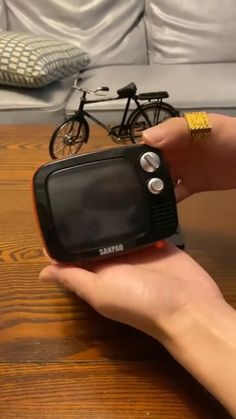 25 Life Hacks, Amazing Life Hacks, Useful Life Hacks, Cool Gadgets To Buy, Gadgets And Gizmos, Mini Things, Cool Things To Buy, Wow Video, Mini Tv