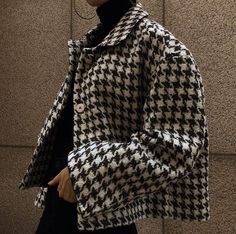 Houndstooth jacket kendraalexandra The post Houndstooth jacket appeared first on Fall Fashion. Indie Outfits, Fall Outfits, Cute Outfits, Fashion Outfits, Fashion Shoes, Fashion Jewelry, Flannel Outfits, Sport Outfits, Dress Outfits