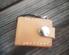 """Art of Leather,""""crafted by hand & heart"""" von ArtofLeatherAtelier Heart Hands, Leather Craft, Coin Purse, Etsy, Wallet, Purses, Crafts, Shopping, Pocket Wallet"""