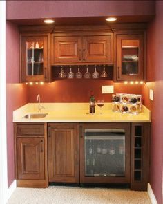Mini Wet Bar Design That Works Well In Either A Basement Or Formal Dining Room
