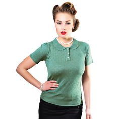 Freddie Knitted Top is a classic 1950s piece of knitwear.   This style features an adorable 50s floral knit pattern, peter pan style collar and contrast pearl buttons.