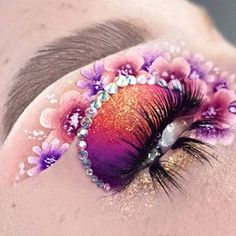 Bright Eye Makeup, Eye Makeup Art, Colorful Eye Makeup, Skin Makeup, Eyeshadow Makeup, Eyeshadows, Retro Makeup, Cute Makeup, Horror Makeup