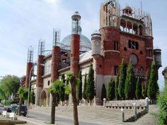 Mejorada del Campo(MADRID)-La cattedrale costruita da un uomo solo, con spazzatura come mattoni / segui http://www.cocoontravel.uk #Madrid #curiosity